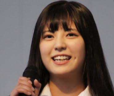 三田美吹の制服を着た画像