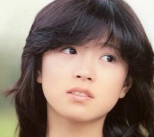 中森明菜の若い頃の可愛い画像
